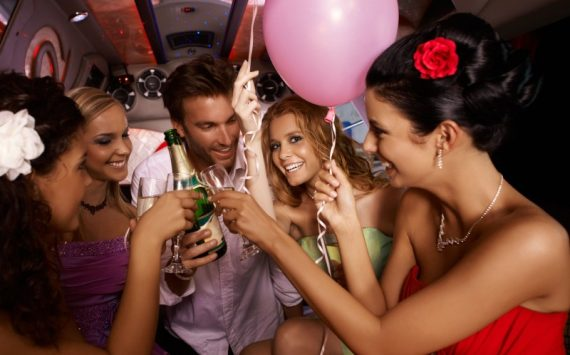 3 Reasons to Rent a Party Bus