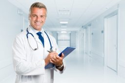 How EMR Software Improves Patient Care and Eliminates Errors in California