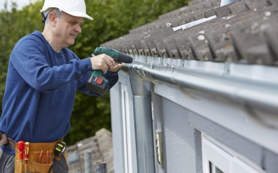 A Simple Guide to Prepare for a Professional Gutter Cleaning Service