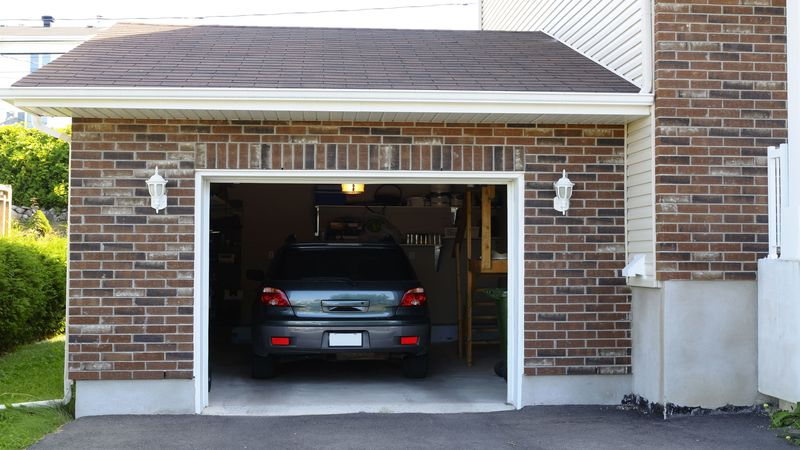 Three Types of Garage Doors in Farmington Hills, MI