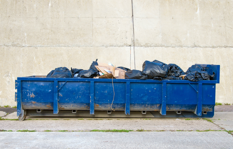 Three Reasons Why Your Business Should Rent Roll Off Dumpsters