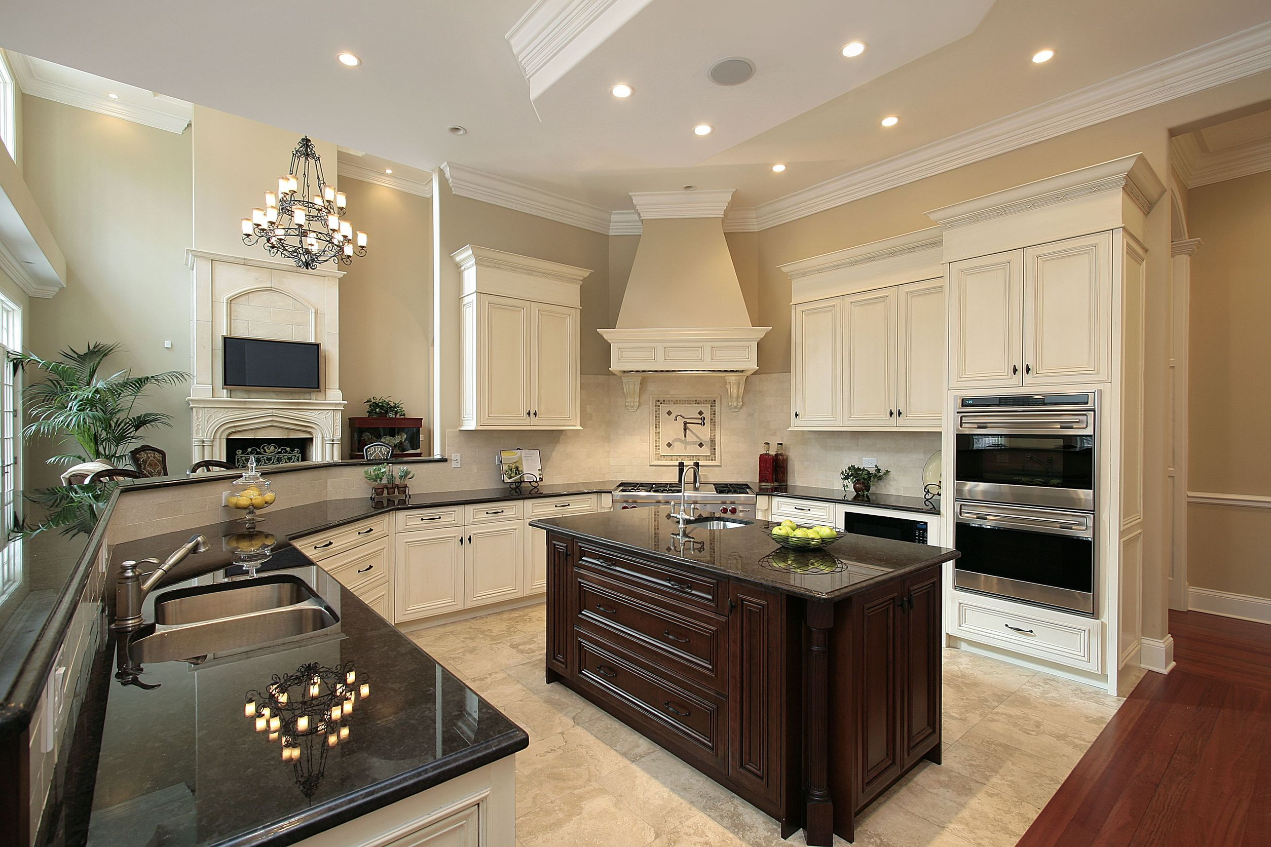 Remodeling Contractors in Chicago Can Give Your Home a New Look at a Very Reasonable Price