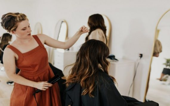 Why an Olaplex Treatment in Minneapolis Is Beneficial for Your Hair