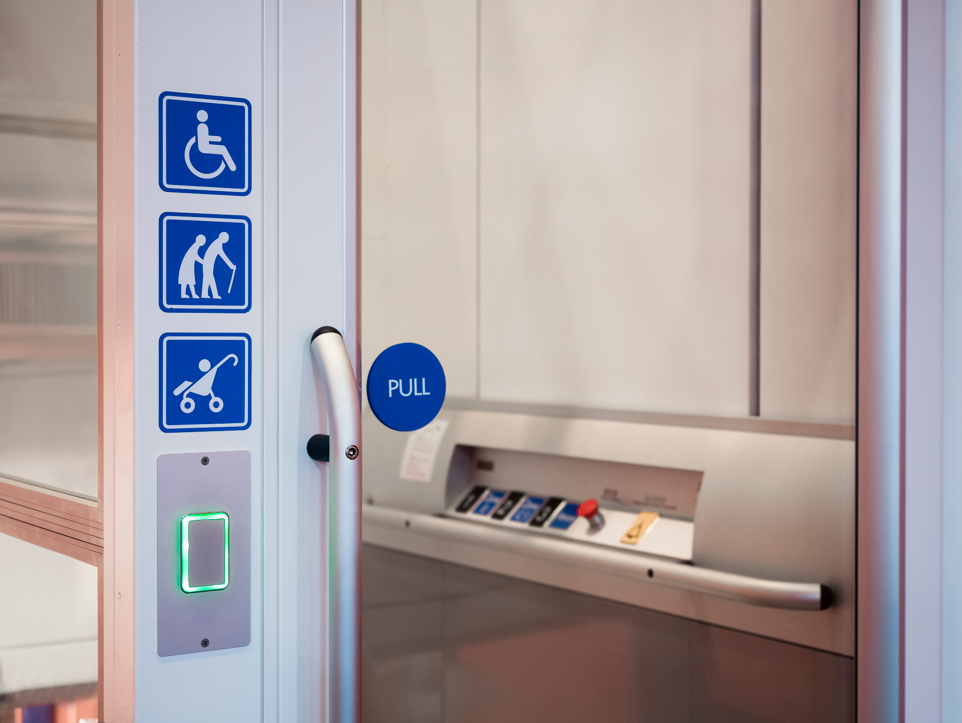 What People Should Know About Wheelchair Lifts in La Crosse, WI