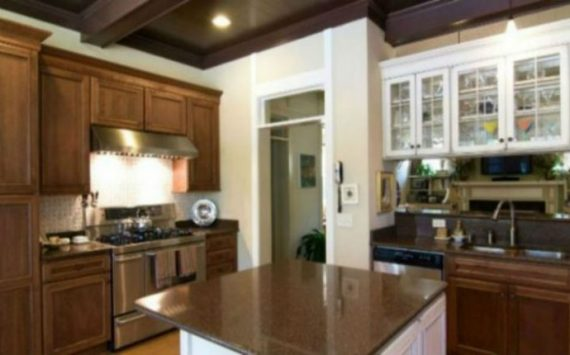 Top Signs It Is Time To Replace Your Kitchen Countertops