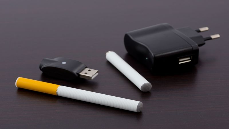 15890001_l-electric_cigarette_800x450